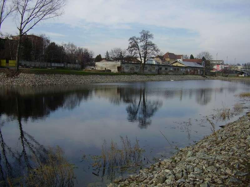 Odbahnění rybníka ve Velkých Pavlovicích
