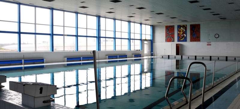 Opravy obkladů a dlažeb krytého bazénu v Hodoníně